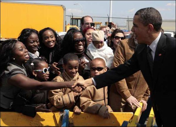 Obama-campaigning-in-the-Black-community